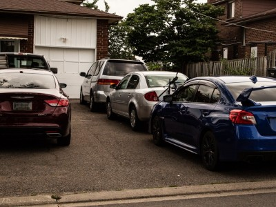 Brampton Council votes for bylaw officers to crack down on illegal driveways