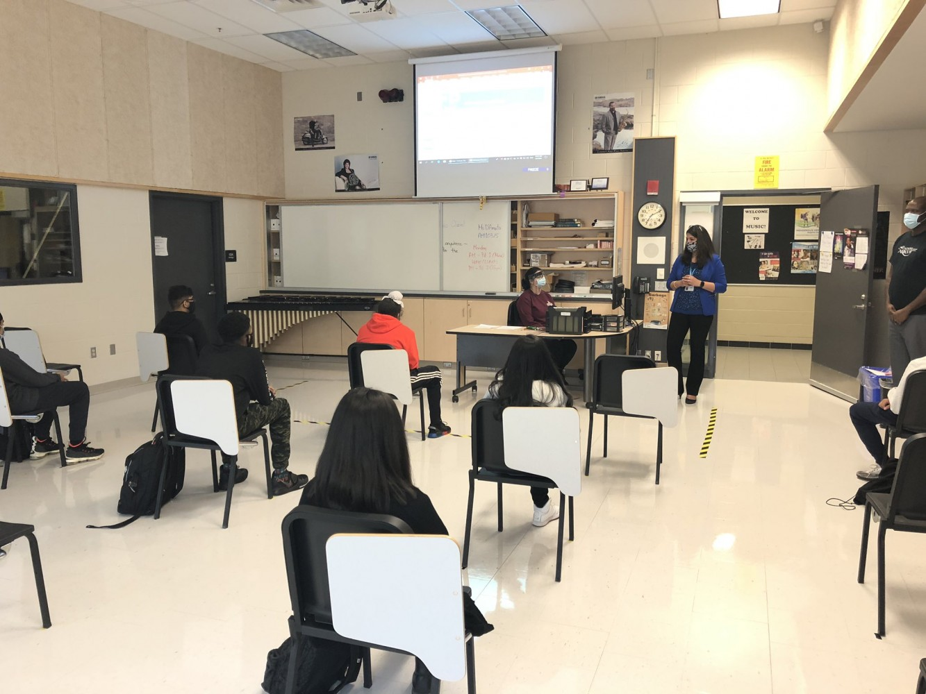 Concern over lack of COVID-19 protocols, cases in Peel schools as first day gets off to rocky start
