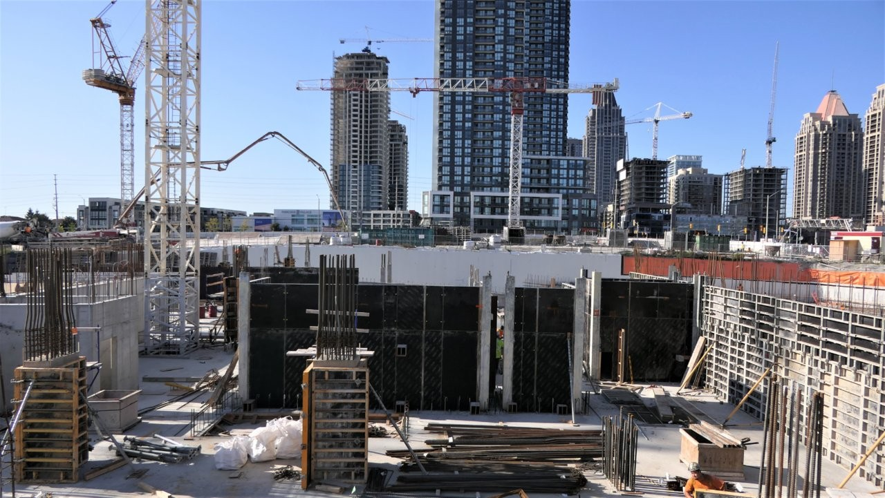 Construction projects continue in Peel alongside COVID-19 fears in an economic balancing act
