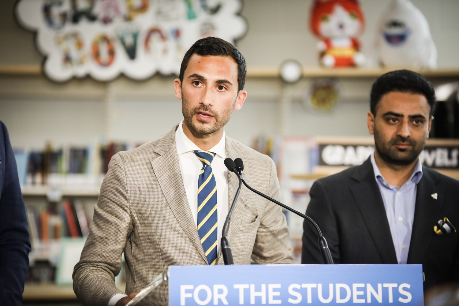 Education minister offers assurance to parents despite rocky negotiations with teachers