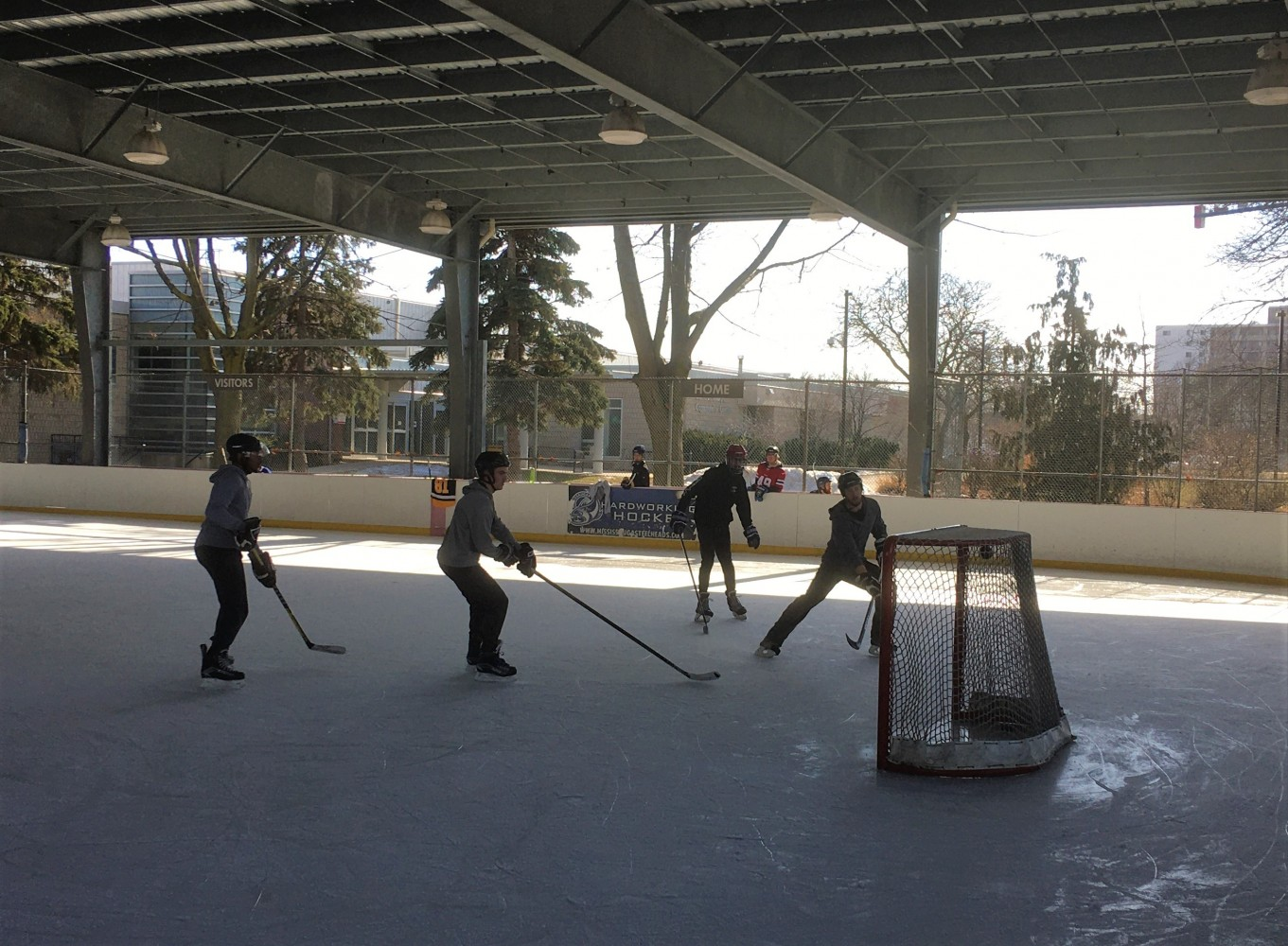 Hockey in Mississauga takes another hit; devastated residents fighting plan to destroy unique outdoor ice rink