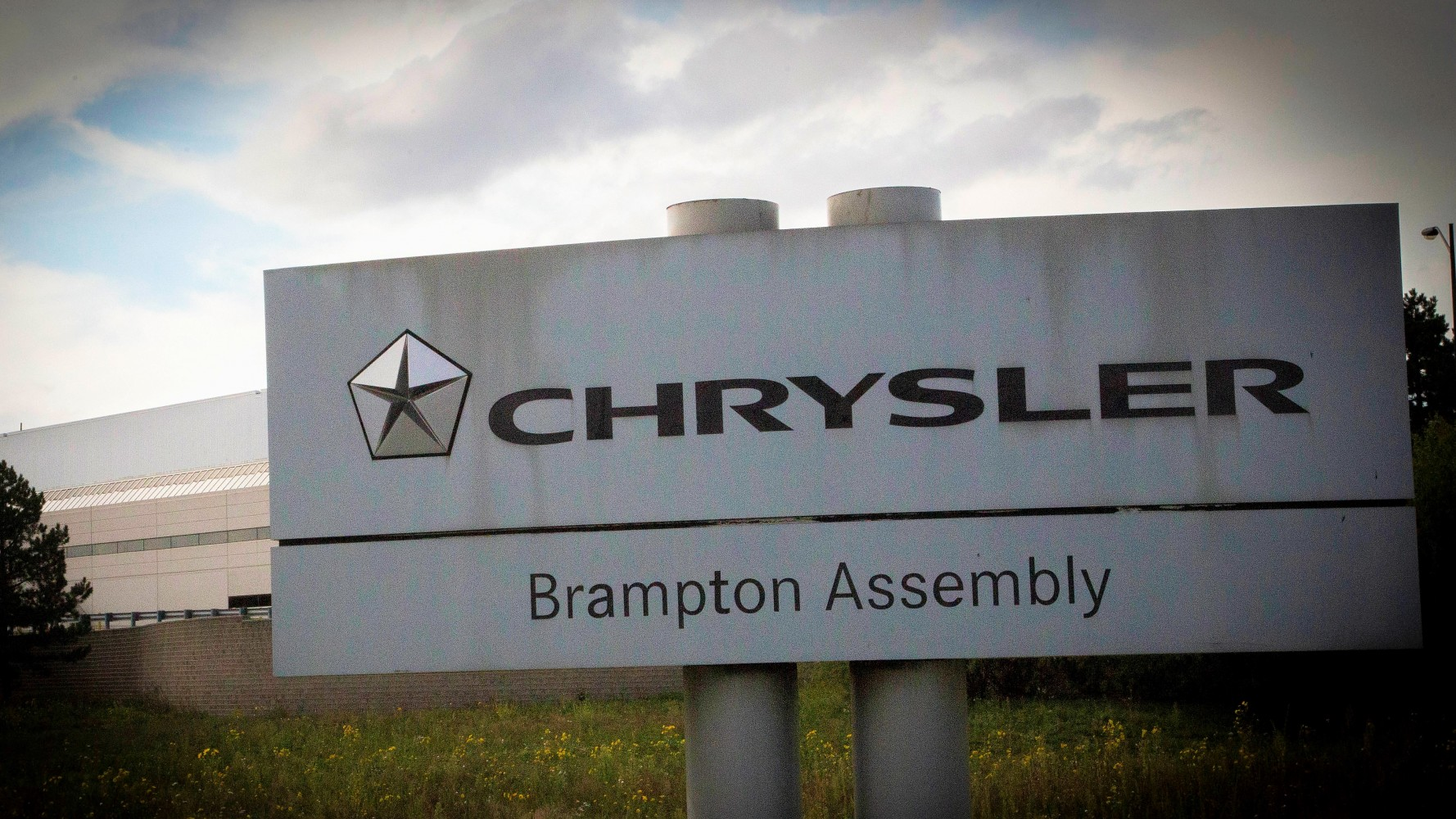 Is surprise GM deal to revive Oshawa's auto industry a signal for Brampton's Chrysler plant?