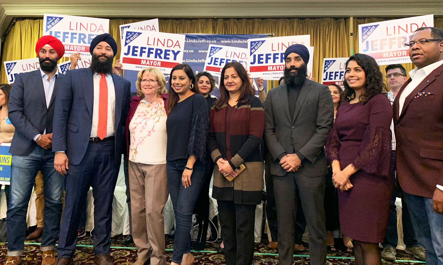 Jeffrey's latest win in the endorsement battle comes in red, blue and orange