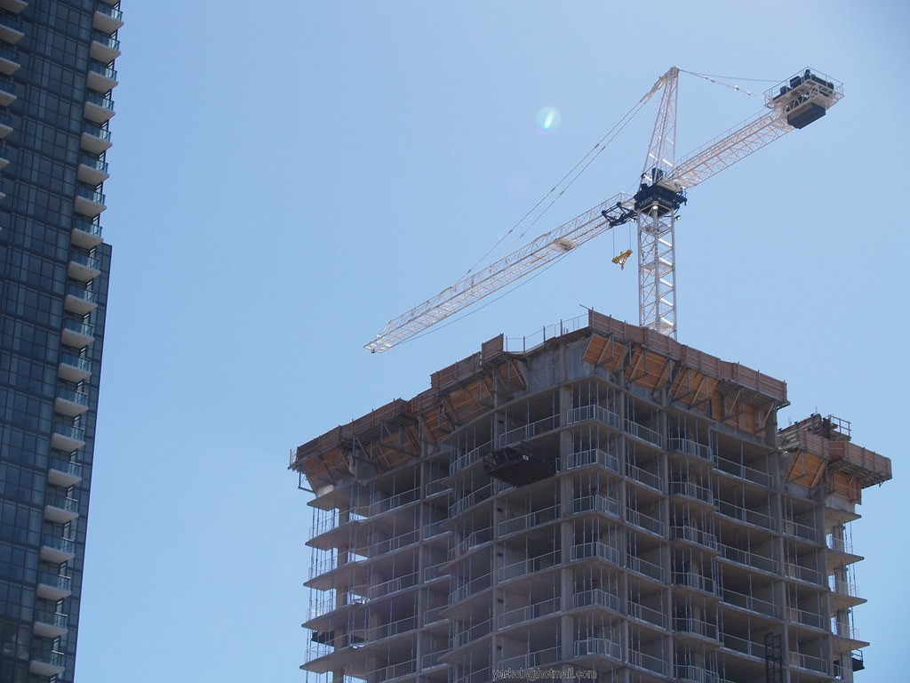 Mississauga continues to reverse sprawl with apartment developments