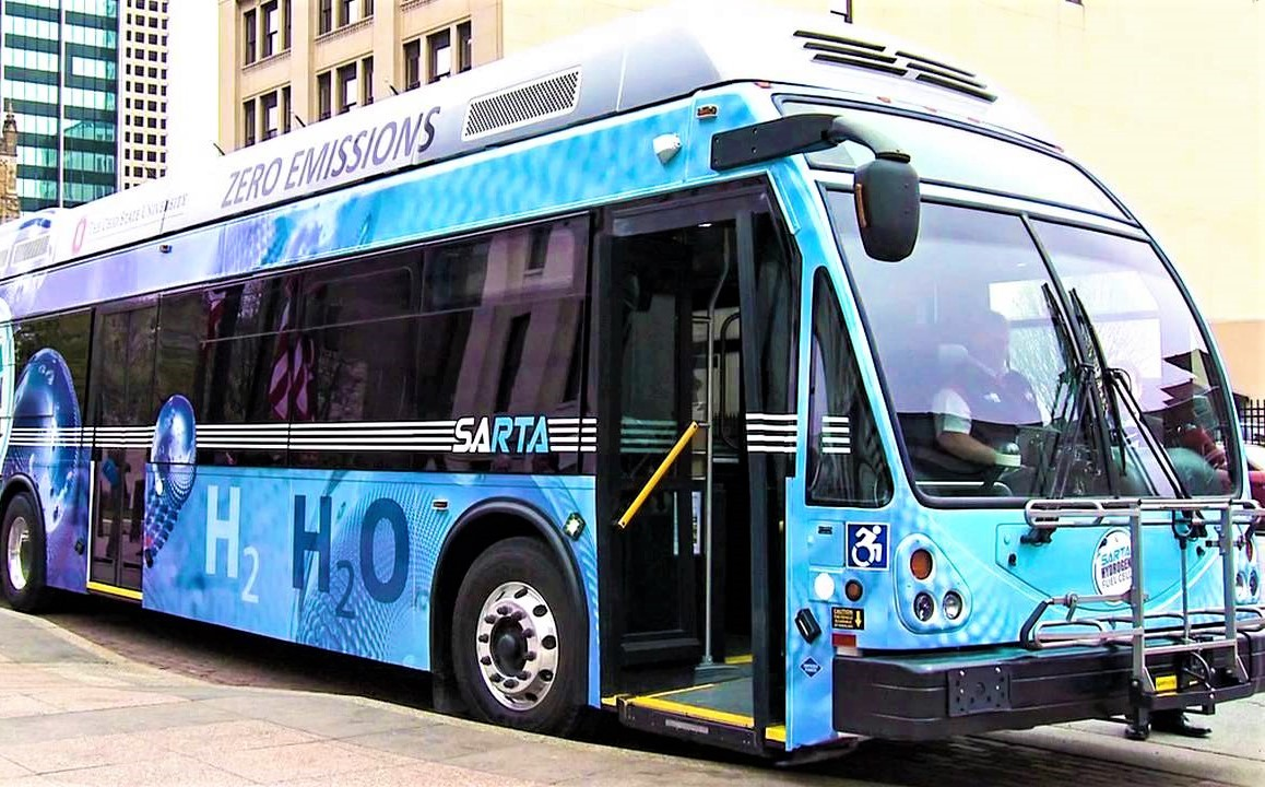 Mississauga councillors consider hydrogen bus pilot; diesel jeopardizing City's climate targets