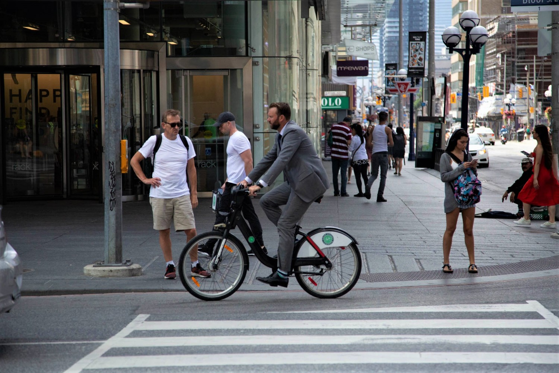 Mississauga moves towardmunicipal bike-share scheme as province debates e-scooters