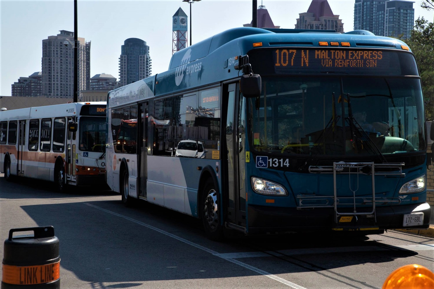 Mississauga transit union wants employees tested for COVID-19 after case linked to local bus travel