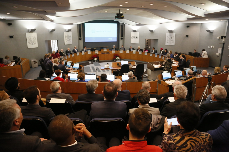 Regional councillors demand reimbursement for cost of sheltering refugees
