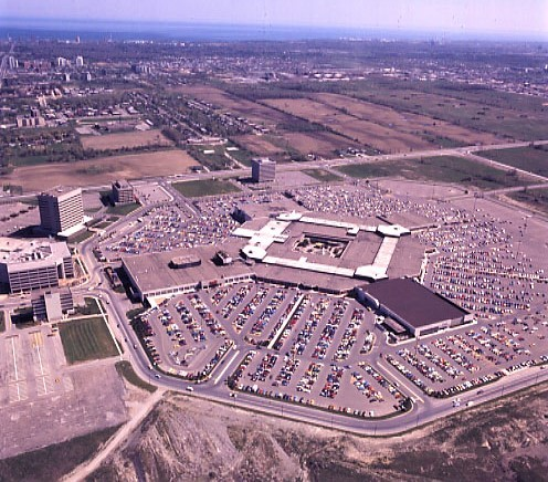 Square One asks to scrap parking wasteland in major step toward erasing Mississauga's sprawling identity